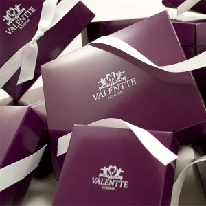 valentte-gift-wrapping-square